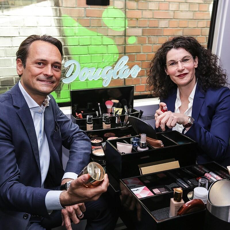 Michael Peterson und Tina Müller im Douglas Beauty-ICE