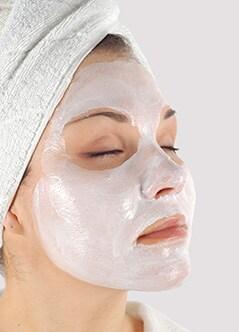 Hoe kan ik een vette huid verzorgen?